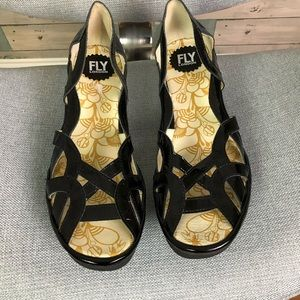 NEW Fly London shoes size 41 (10)